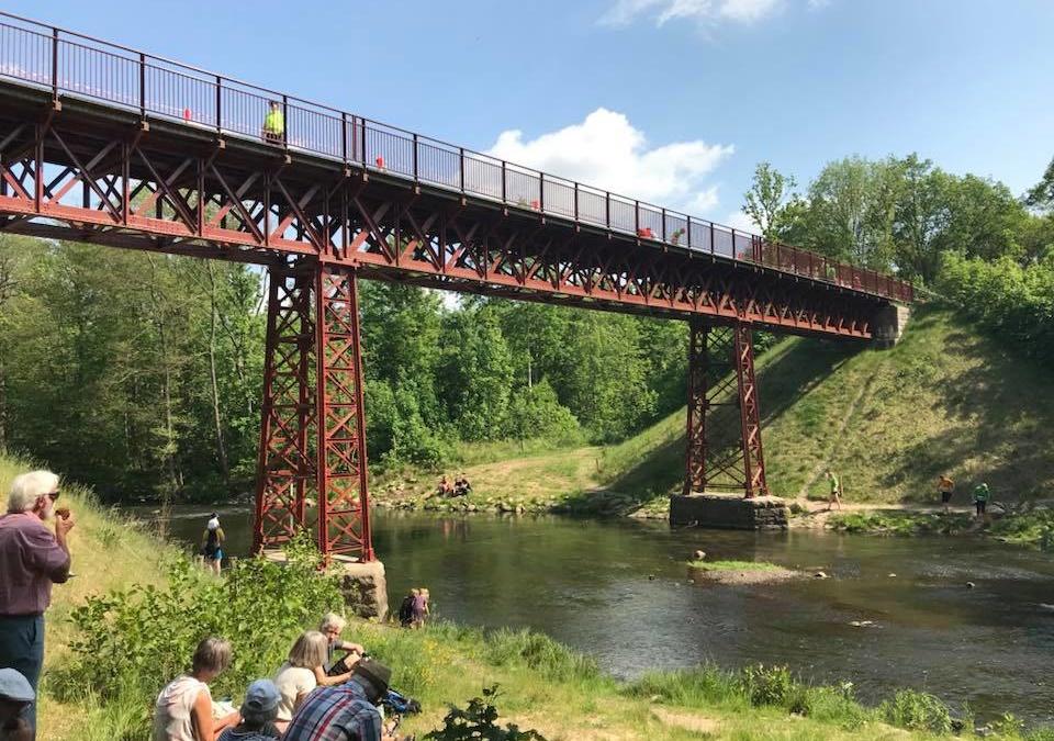 Den genfundne bro løbet